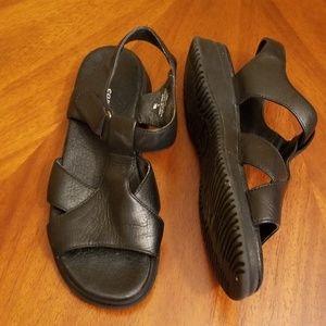 Easy Spirit leather sandal back ankle strap comfy